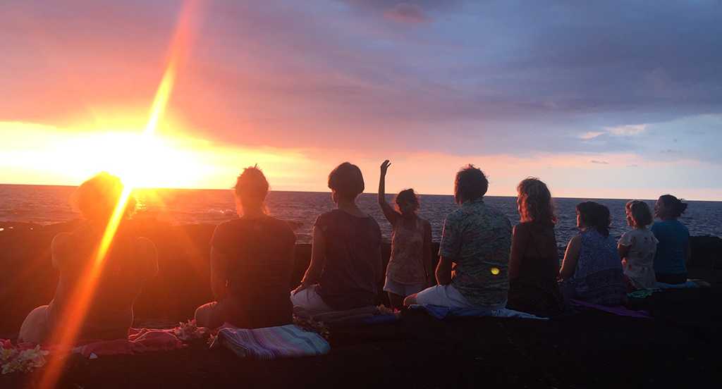 Yoga Horw Verena Näpflin der raum Meditation bei Sonnenaufgang Hawaii