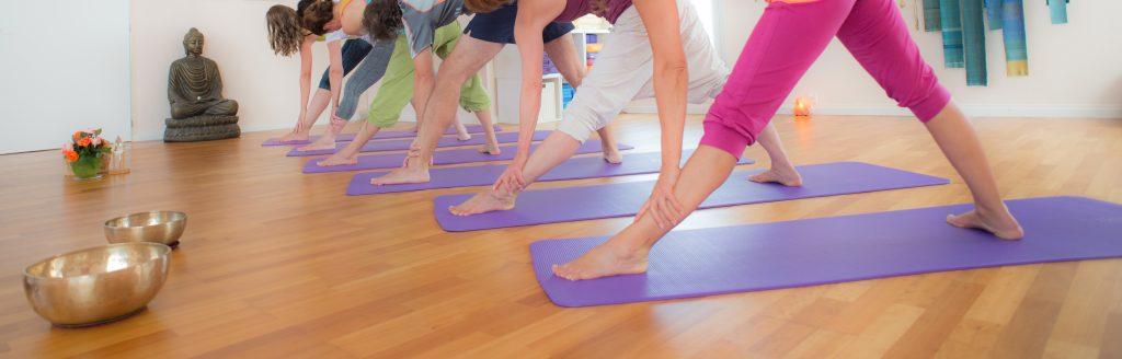 Yoga Verena Näpflin derraum in Horw Trikonasana